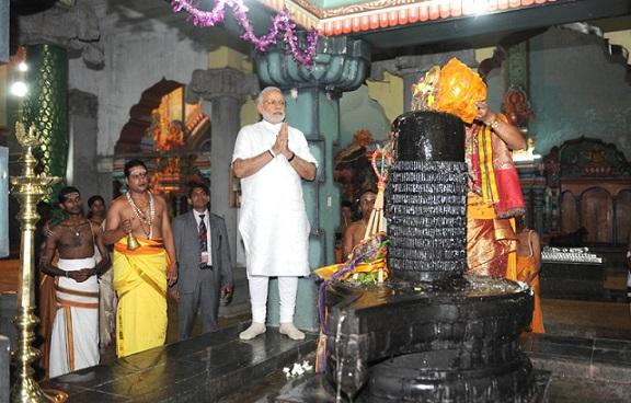 modi temple visit (2)